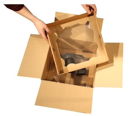 Ambalaj protector cu folie de suspensie si retentie cu doua separatoare de carton
