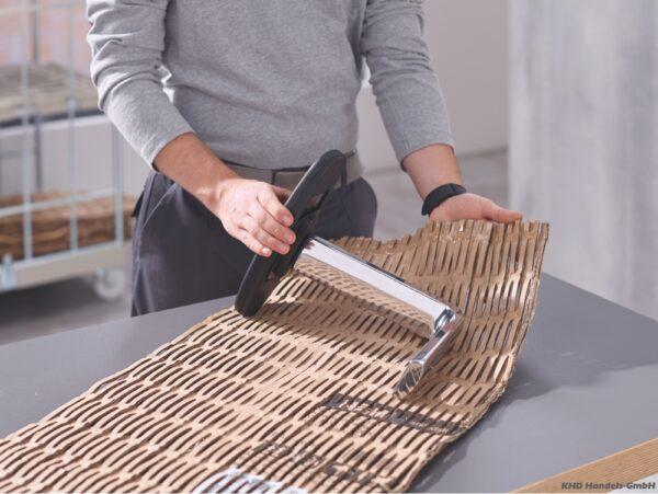 Ambalare cu folie perforata de carton-obiecte de diferite dimensiuni