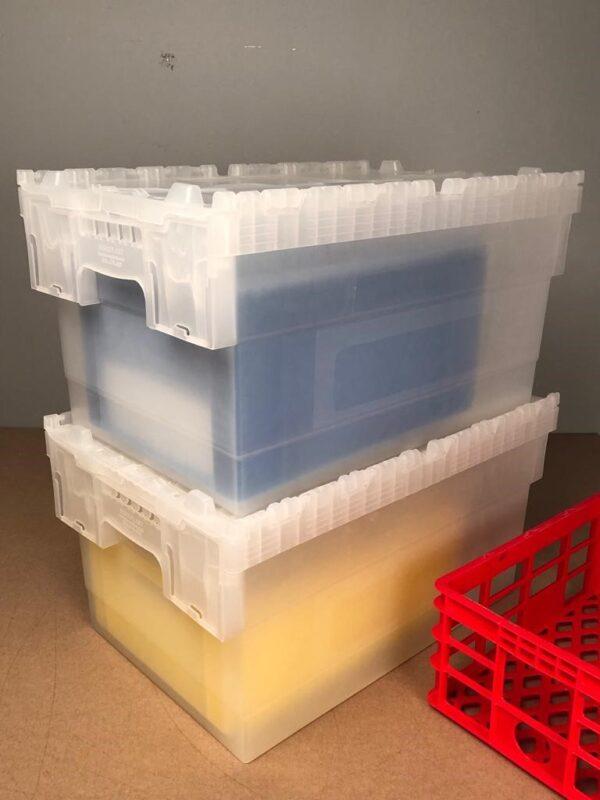 Cutii tip ALC cu capac atasat detaliu stivuire