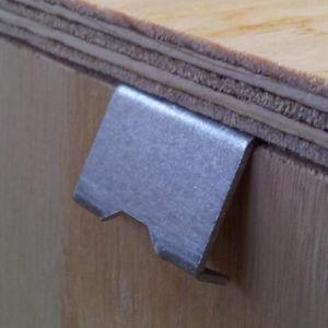 Clipsuri speciale pentru container din lemn