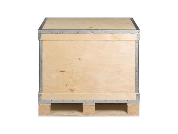 Container pliabil din lemn cu imbinari metalice pe toate laturile