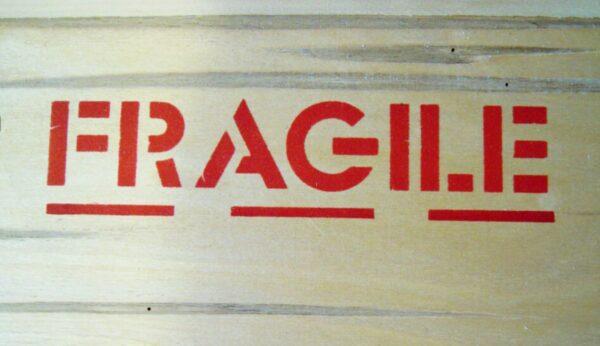Imprimare cu sablon pentru containere din lemn