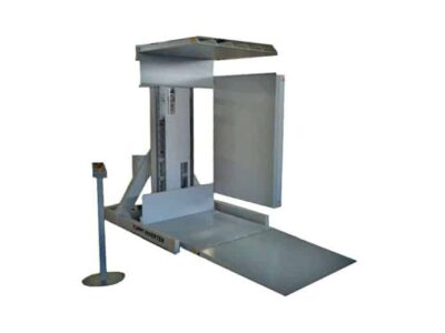 Stationary pallet changers with stacker system