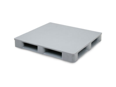 Clean-room plastic pallets