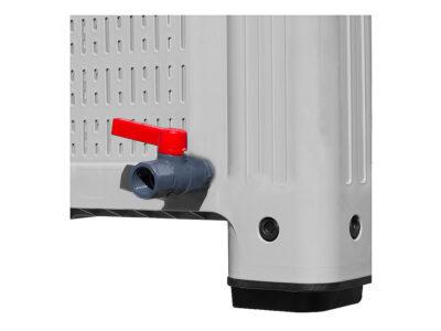Outlet faucet for pallet boxes