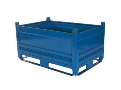 Containers with closed metal walls