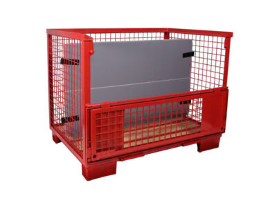 standard automotive containers with internal separators and dunnage