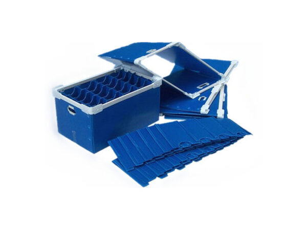 Corrugated plastic boxes with foldable stacking corners