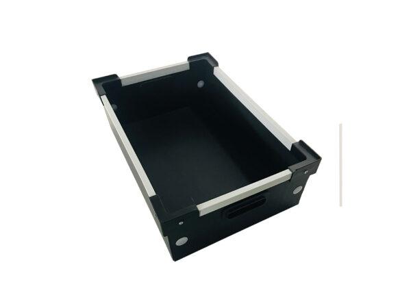 Cutii din polipropilena celulara cu coltare pentru stivuire si rama U din aluminiu