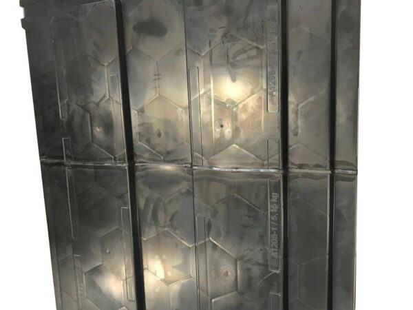 Injected pallets cut & weld